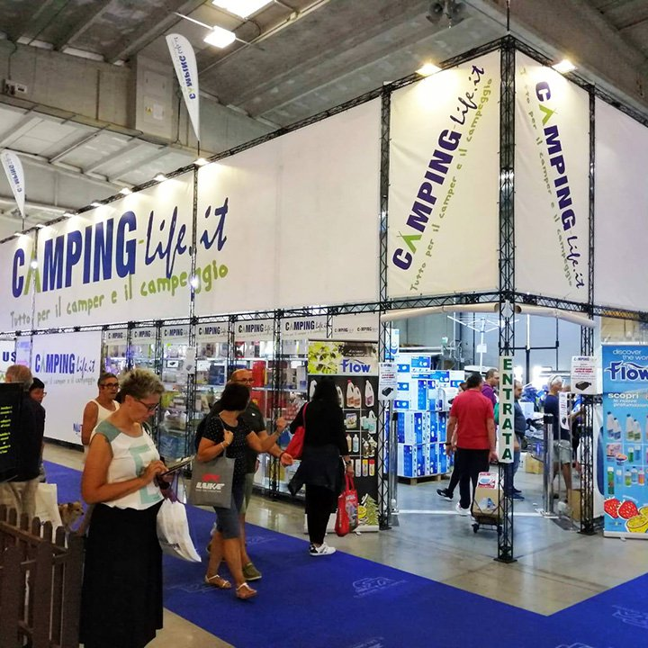 easystand-stand-fiera-campinglife.jpg